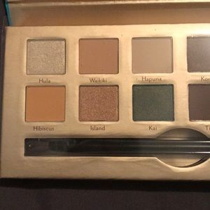 NWT Aloha Cargo cosmetics eyeshadow nude  palette